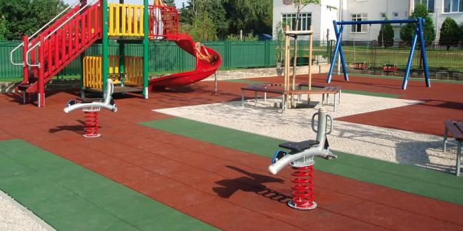 Gummigranulatmatten - Alternative für Sand- und Kiesböden