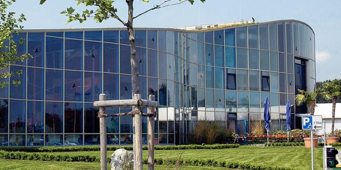 Ravna streha Rhenofol - za industrijske in individualne objekte